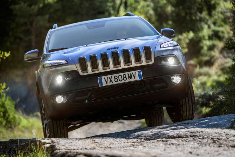 Jeep Cherokee Trailhawk, Frontansicht, 2014, Foto: Chrysler Group LLC