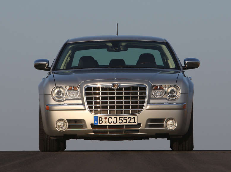 Chrysler 300C, Frontansicht, 2010, Foto: Chrysler