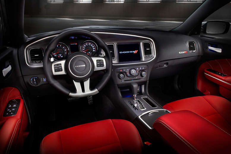 Dodge Charger, SRT8, Innenansicht, Cockpit, 2013, Foto: Chrysler