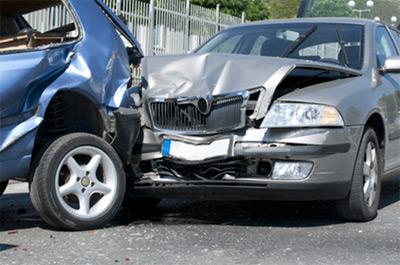 Autounfall: Was tun, wenn es knallt?